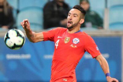 Flamengo de Brasil se suma a los interesados por Mauricio Isla