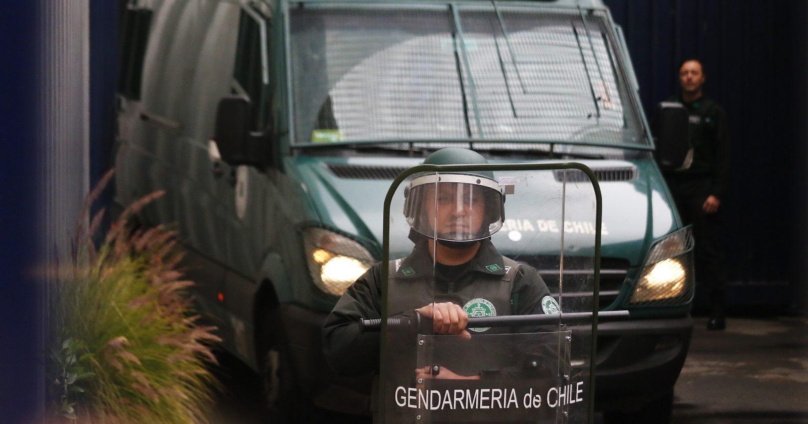Trasladan al Hospital de Los Ángeles a comuneros mapuches en huelga de hambre en cárcel de Lebu