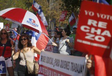 """Votos """"ocultos"""" y crecimiento del Rechazo durante la pandemia: la estrategia de Chile Vamos para intentar ganar el plebiscito"""