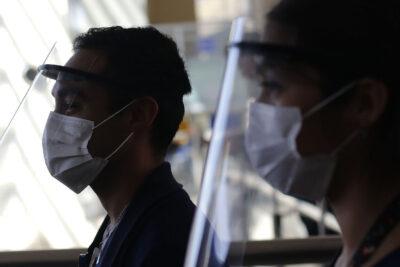 Estudiantes Técnico-Profesionales fabricaron impresoras 3D y hoy confeccionan protectores faciales