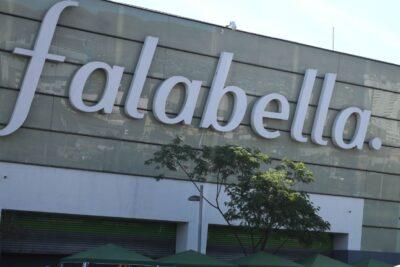 "Parque Arauco: intendente Guevara confirmó que Falabella ""escondió"" a 21 trabajadores en bodega"