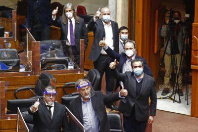 Parlamentarismo de facto y caballos de Troya