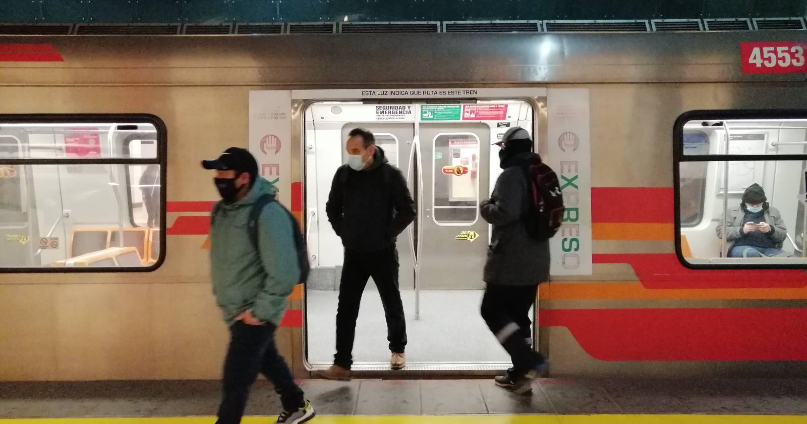 """""""Metro de Santiago: estación Macul reabrió sus puertas tras 10 meses sin funcionamiento"""""""