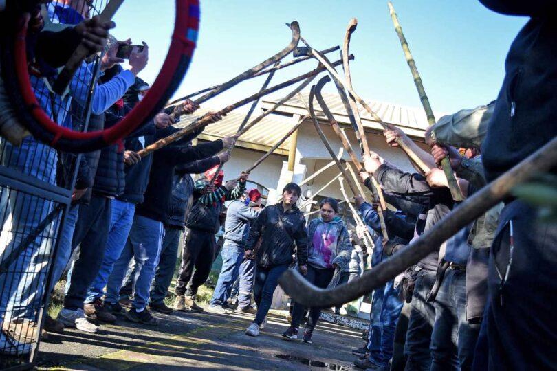 Pablo Ortúzar las emprende contra Pedro Cayuqueo por violencia en La Araucanía