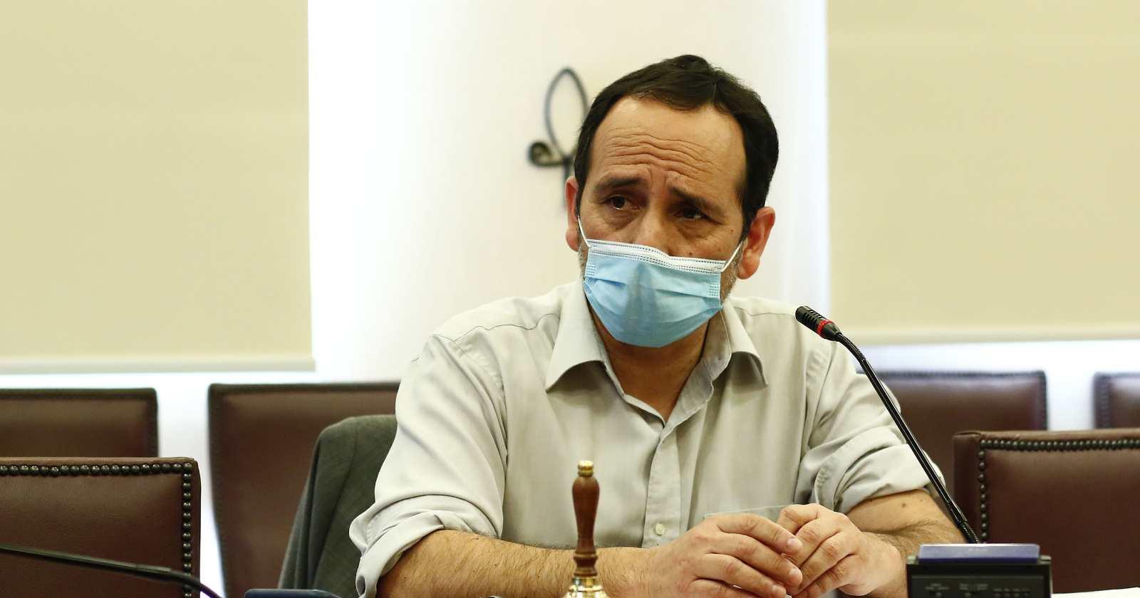 Diputado Núñez es retenido por una hora en control sanitario: Cámara pide explicaciones al Gobierno