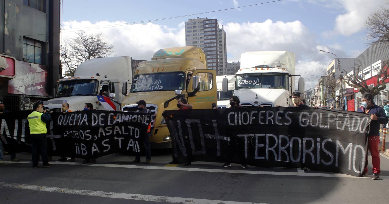 """Las críticas del PS a La Moneda por paro camionero: """"Ha sido cómplice ideológico del germen de esta movilización"""""""