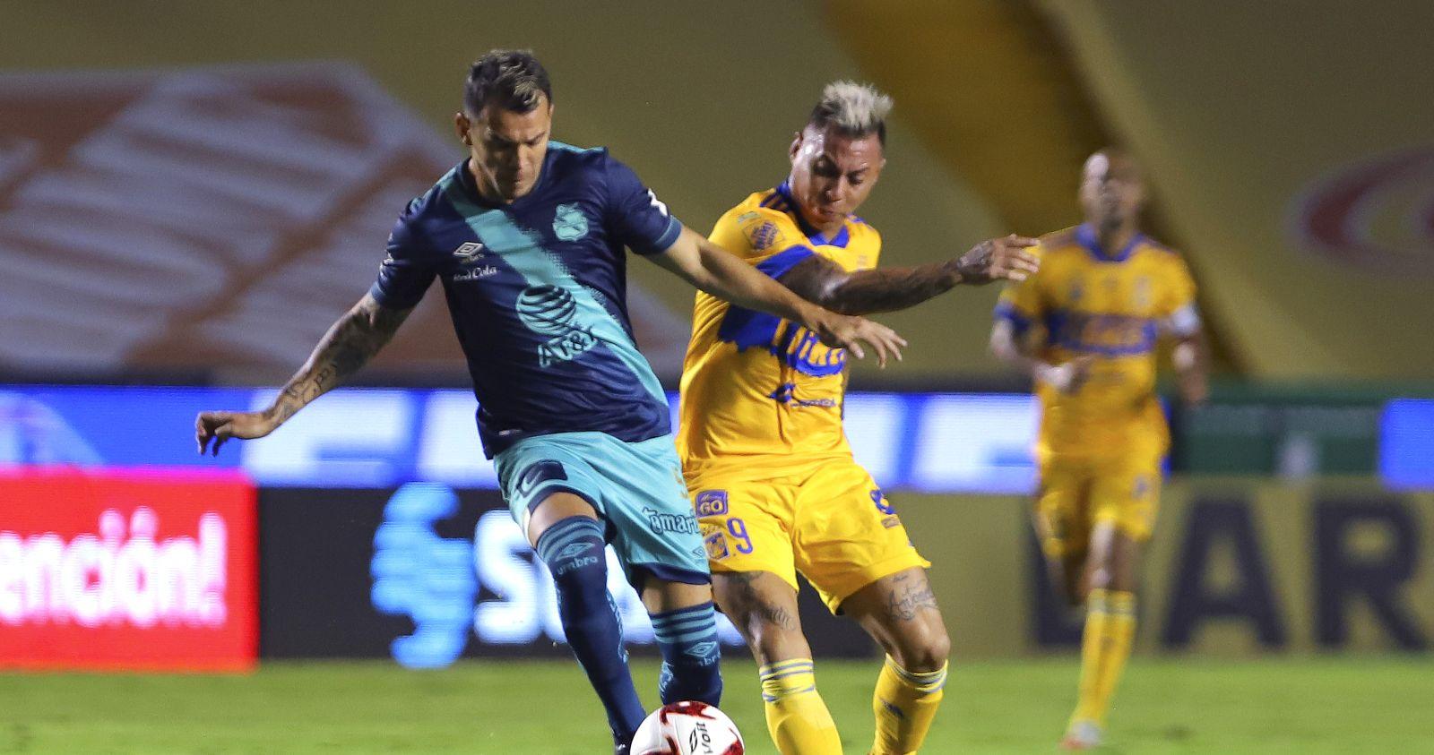 Eduardo Vargas anotó en triunfo de Tigres UANL sobre Puebla FC