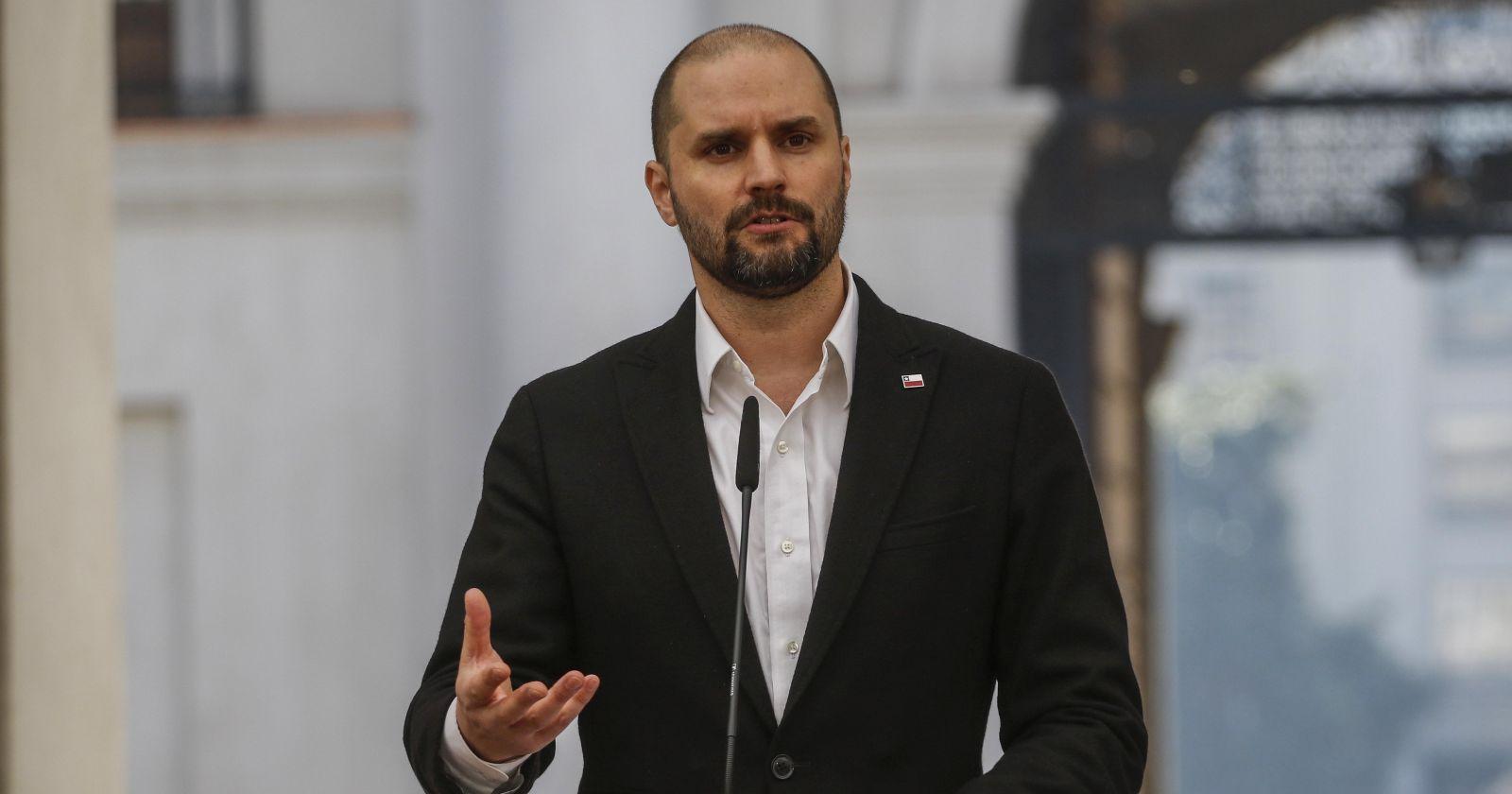 Bellolio: la oposición se ha dedicado es hacer pedazos a Carabineros, no puede exigir más orden público