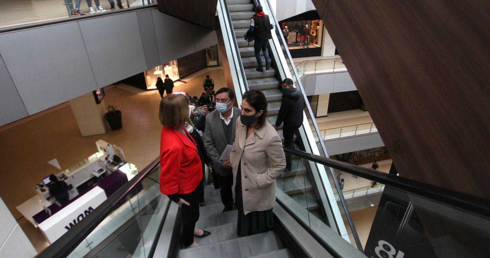 Autoridades evaluaron positivamente el primer día de reapertura del Costanera Center