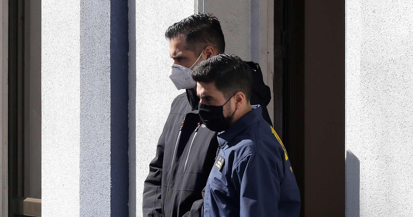 Decretan prisión preventiva para ex teniente coronel de Carabineros acusado de disparar contra Gustavo Gatica