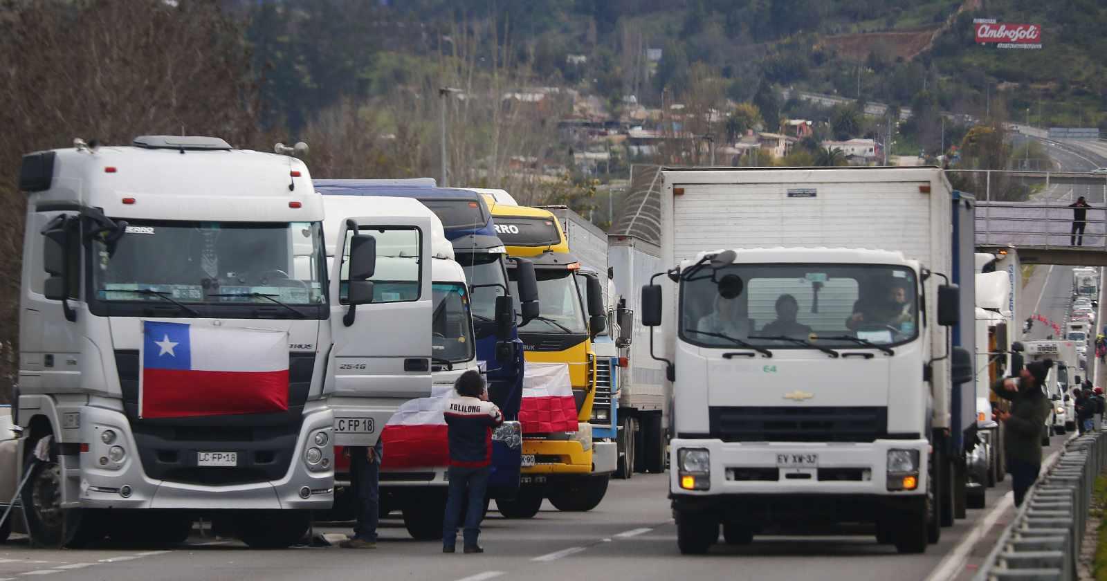 """""""Se endurece paro de camioneros tras fracaso de diálogo con el Gobierno"""""""