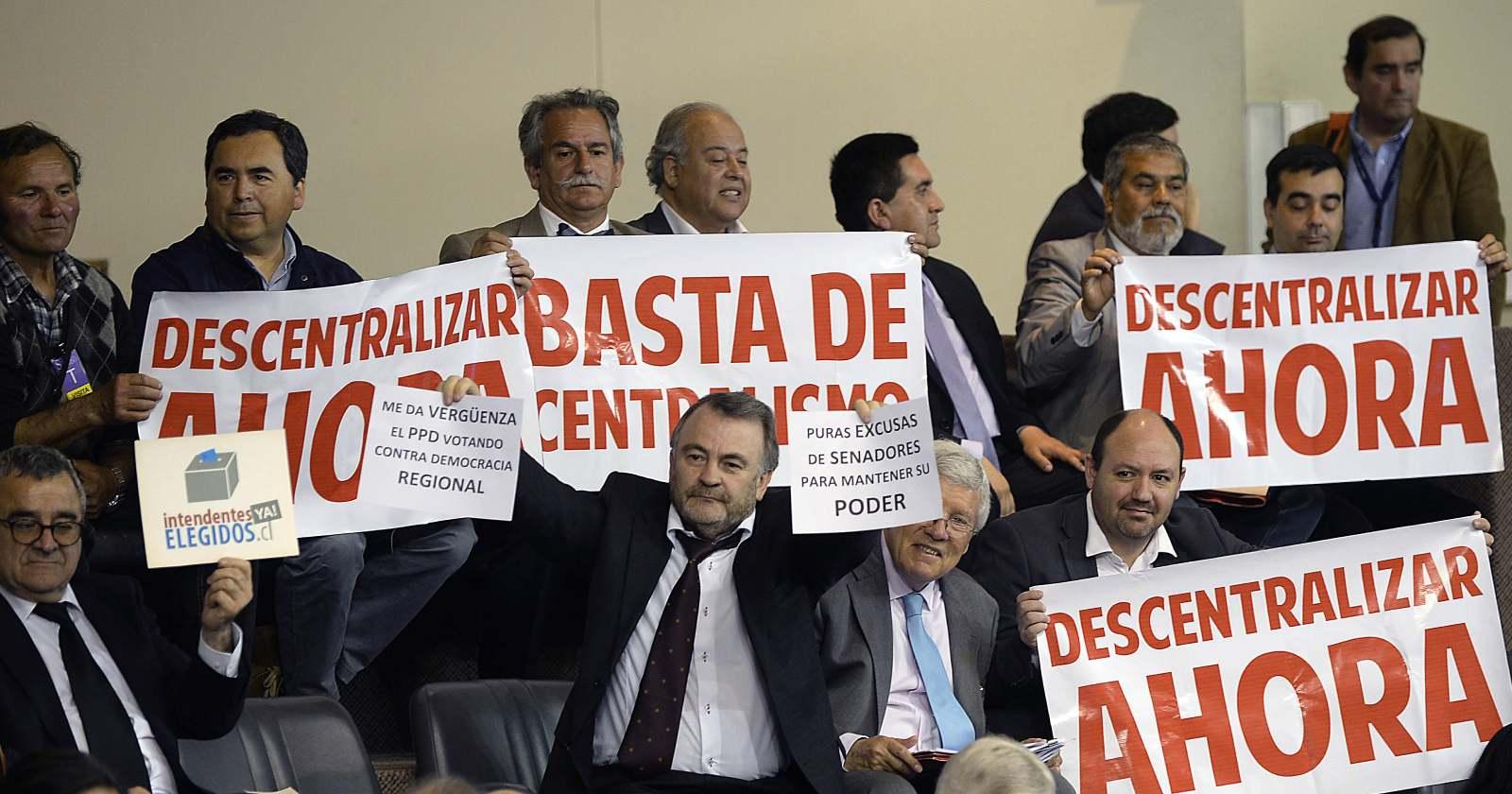 """El """"portazo"""" de la oposición al Gobierno por intento de posponer la elección de gobernador regional"""