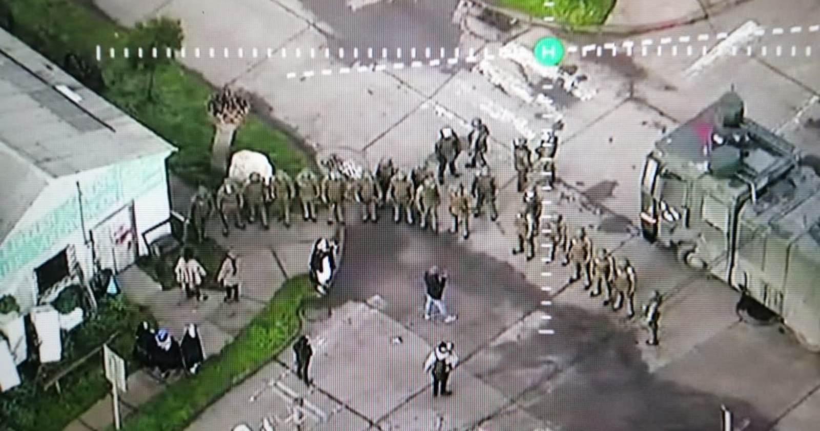 """""""Carabineros desaloja toma de Municipalidad de Tirúa: tres personas detenidas"""""""