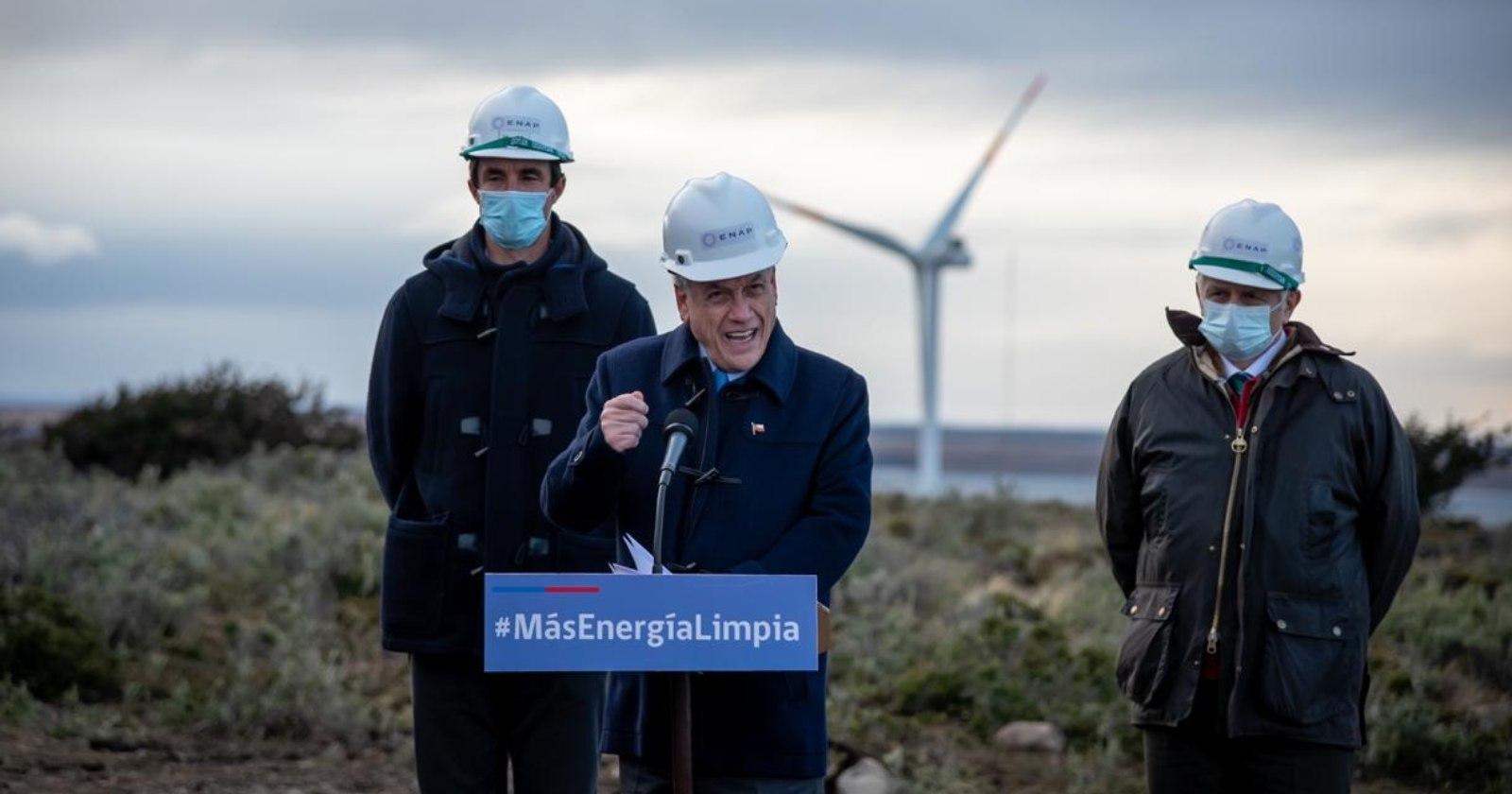 """""""Presidente Piñera visita el nuevo parque eólico de la Región de Magallanes"""""""