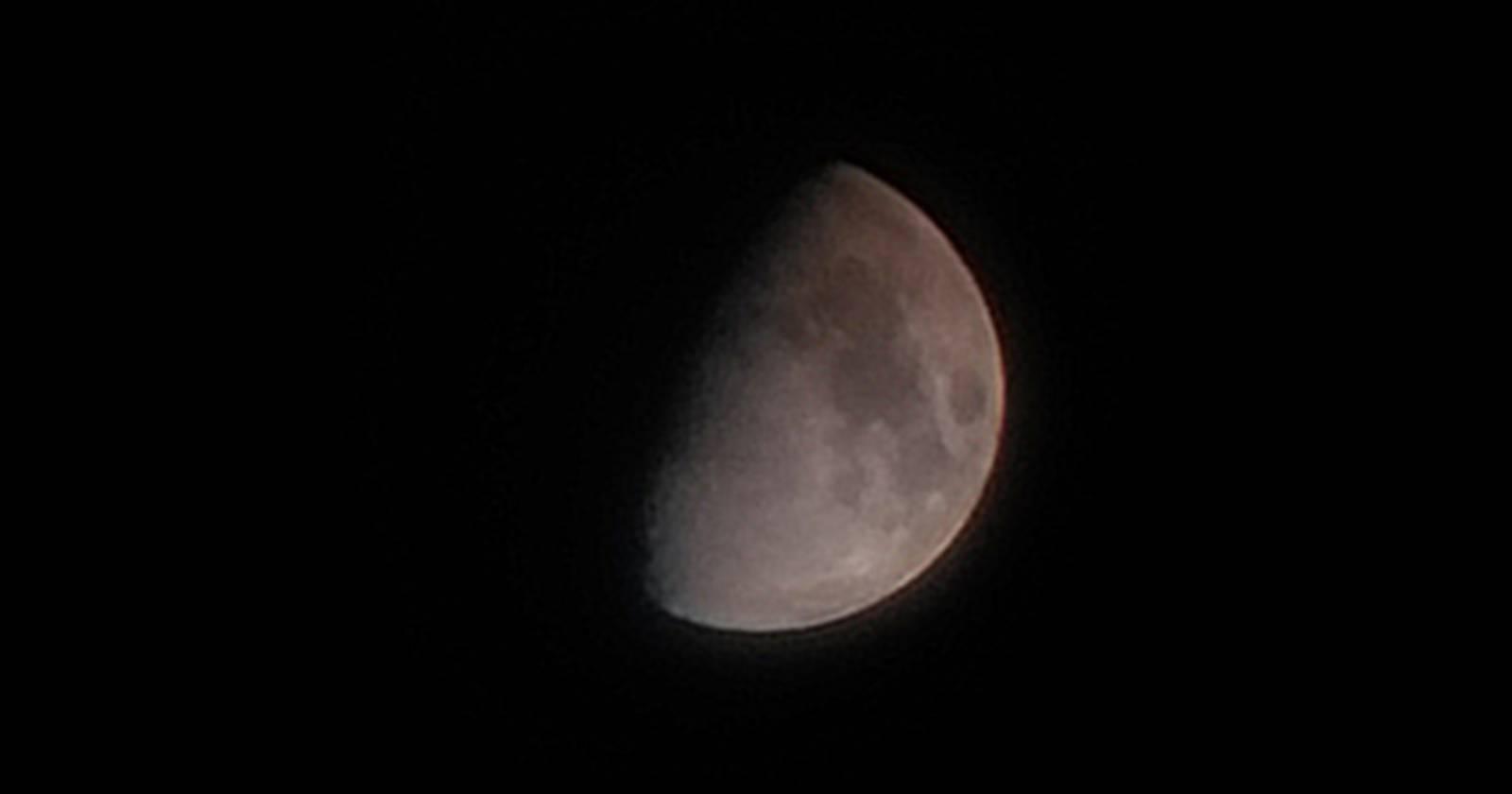 """""""Hito de la astronomía en Chile: logran imagen de la primera luz de la luna con espejo fabricado en el país"""""""