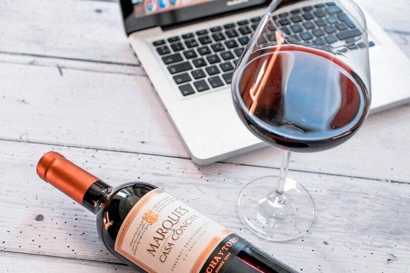 Catas online: la apuesta de las viñas chilenas para acercarse a sus consumidores en tiempos de cuarentena