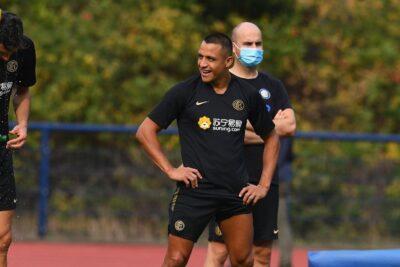 Alexis Sánchez apareció en los entrenamientos de Inter tras la lesión que sufrió ante Bayer Leverkusen