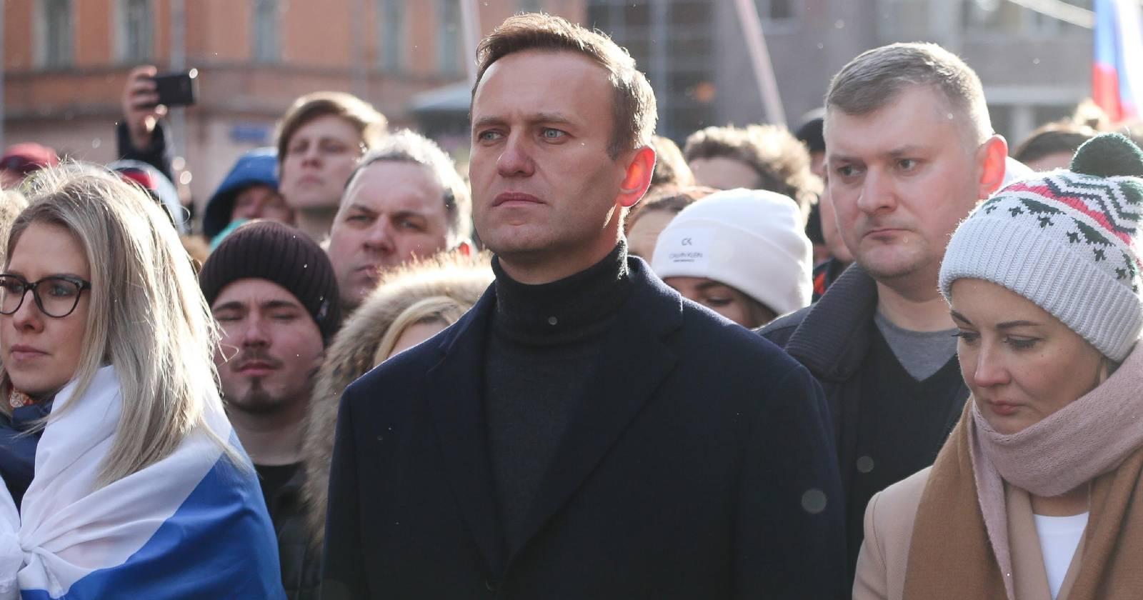 Trasladan a Alemania a opositor ruso en estado grave tras envenenamiento