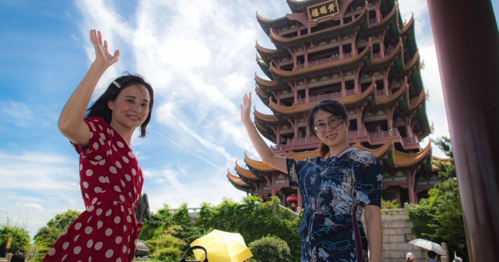 """""""Wuhan vuelve a la normalidad y sus habitantes dejan de usar mascarilla"""""""