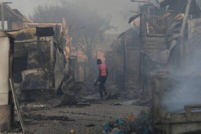 Gigantesco incendio destruye el campamento de refugiados más grande de Europa