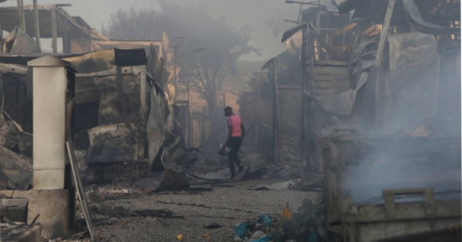 Incendio destruye el campamento de refugiados más grande de Europa