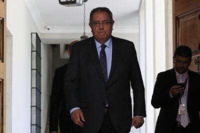 Senador Huenchumilla pide unidad en la DC como requisito para presentarse a las presidenciables