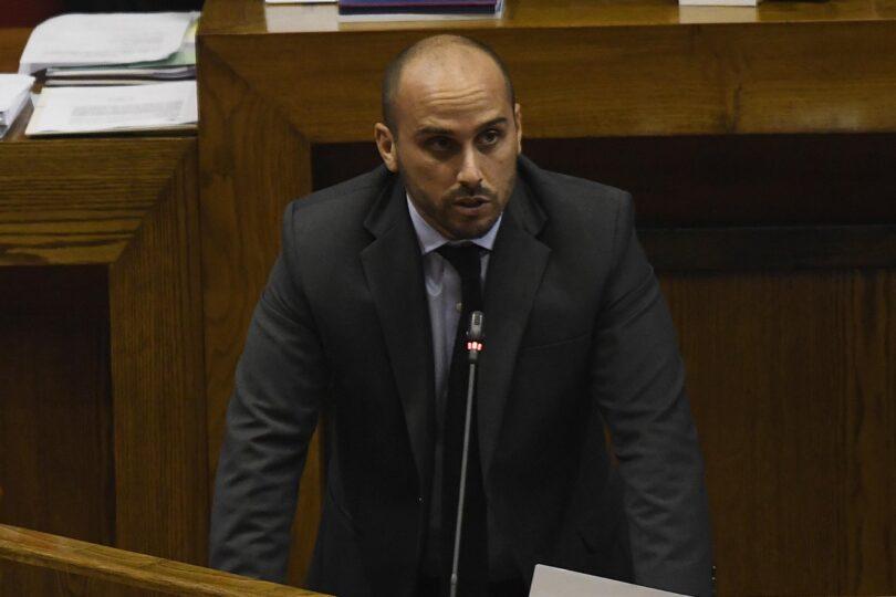 Lobby en el Senado y críticas al presidente de RN: las quejas del diputado Longton tras rechazo a acusación contra jueza Donoso