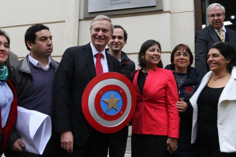Partido Republicano se constituye en la RM y anuncia que competirá en Vitacura y Las Condes