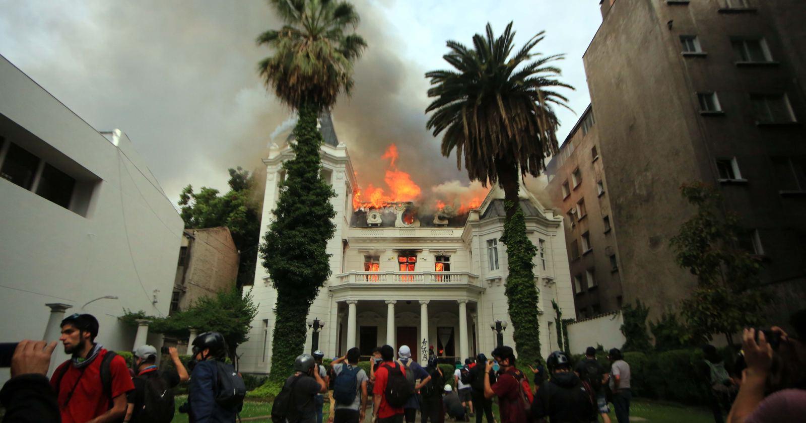 """""""Incendio de Universidad Pedro de Valdivia ya tiene un condenado"""""""