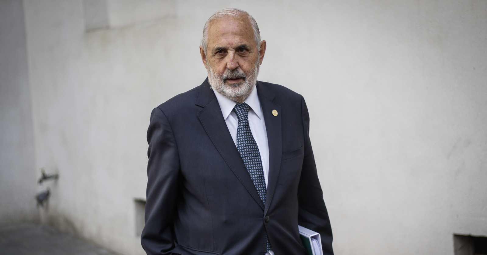 Ex fiscal Gajardo: Longueira confirma que Abbott fue nombrado para no profundizar investigaciones políticas