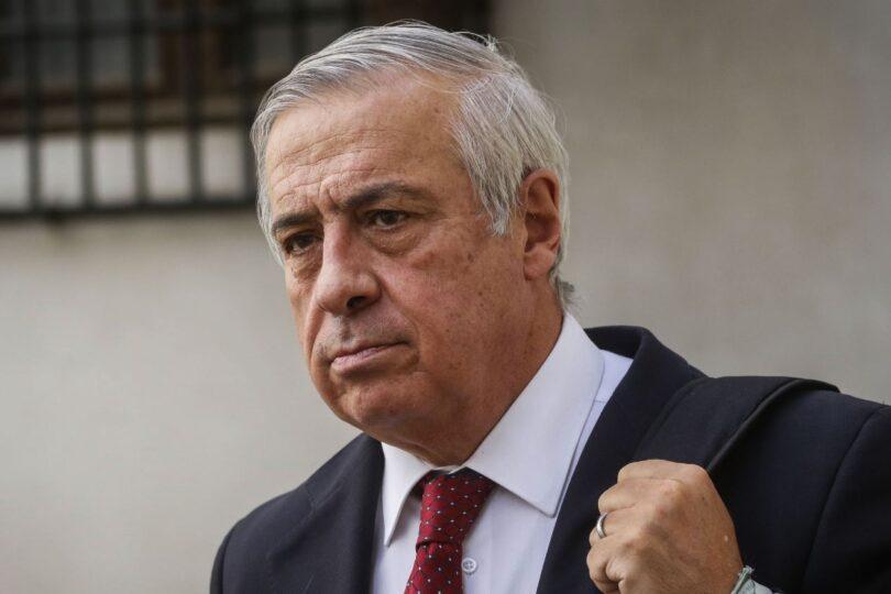 """Mañalich defendió gestión para que pandemia """"no hiciera colapsar la capacidad hospitalaria"""""""
