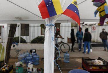 Migraciones: Interior vincula aumento de venezolanos ilegales con indicación del Senado