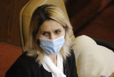 """VIDEO – Erika Olivera pide disculpas a Sebastián Keitel por llamarlo """"poco hombre"""", pero no se retractó"""