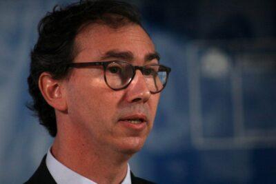 Ministro Figueroa reitera que la Prueba de Transición se enfocará en materias hasta tercero medio