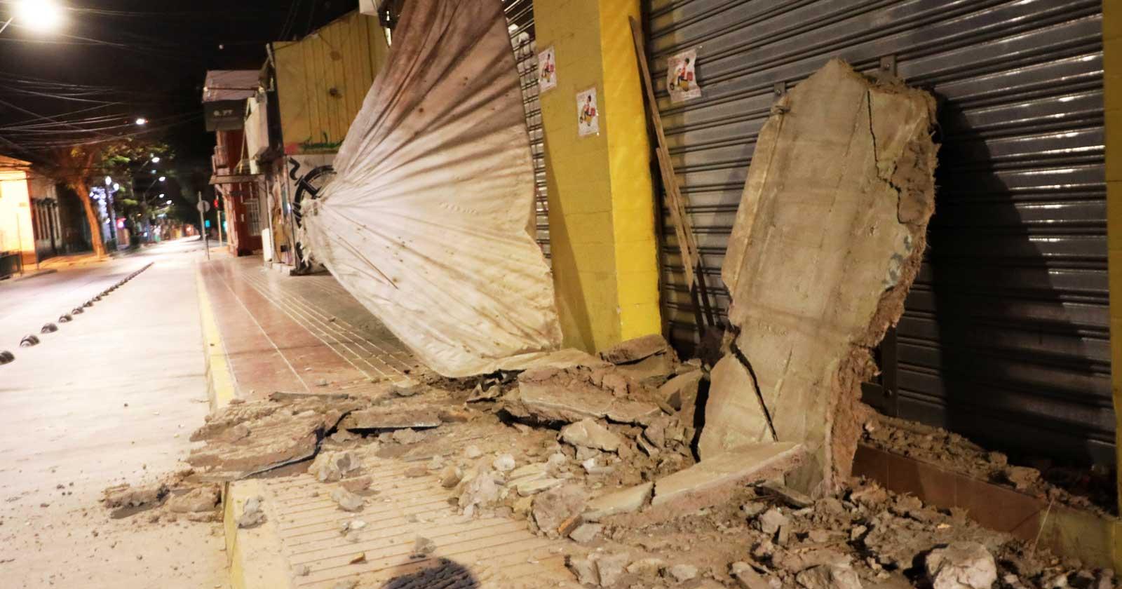 Temblor de magnitud 7 y réplica de 6.2 sacuden a Región de Atacama