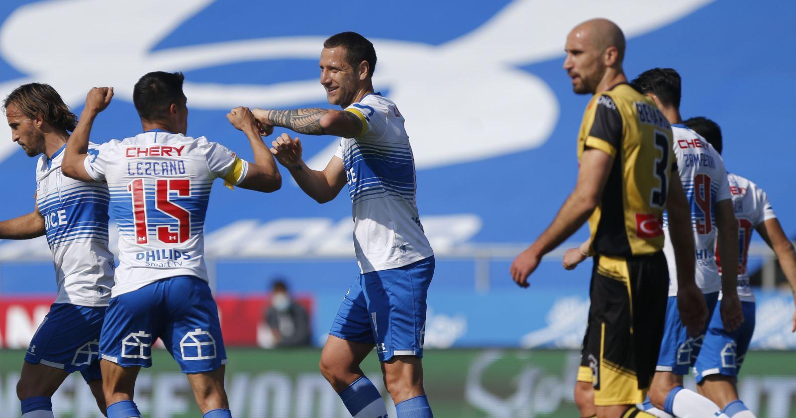 U. Católica goleó a Coquimbo y vuelve a la cima del Campeonato Nacional