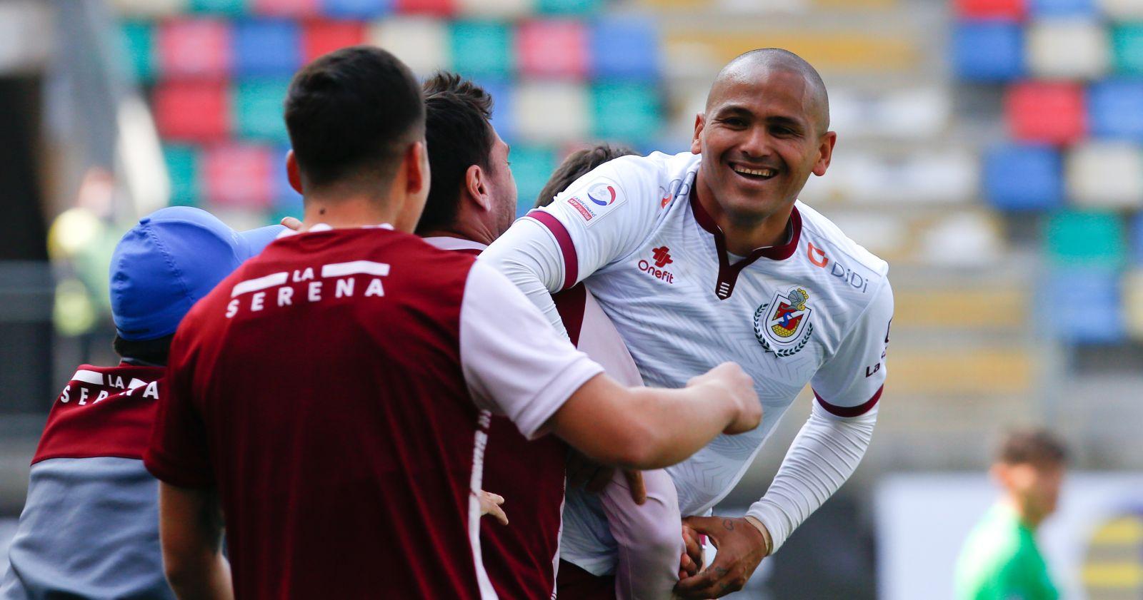 """""""Humberto Suazo marcó su primer gol en Primera División tras cinco años"""""""