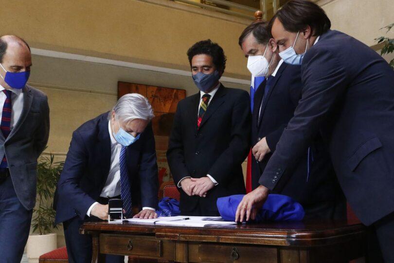 Gobierno ingresa el Presupuesto 2021 para su discusión en el Congreso