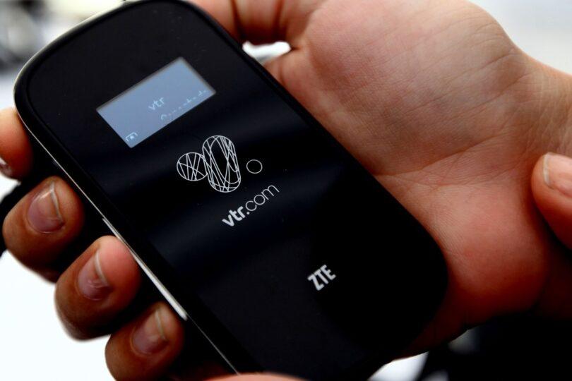 Usuarios denuncian apagón de VTR en sector oriente de Santiago