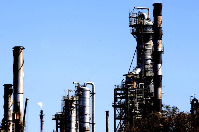 Reformulan cargos contra Enap por contaminación en Quintero
