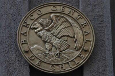 IPoM: Banco Central mejora estimaciones en caída del PIB