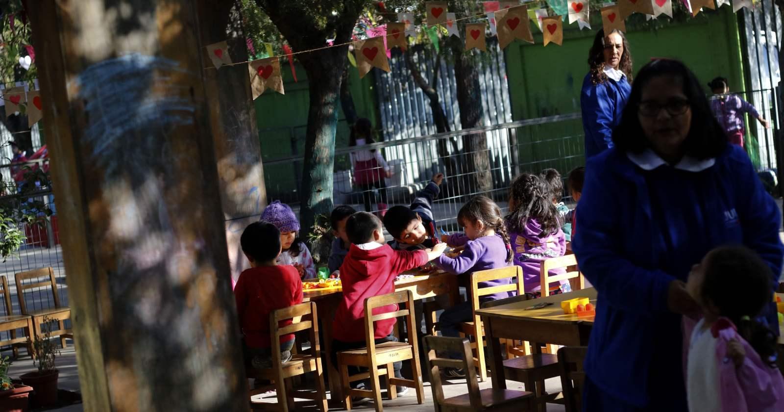 """""""Los alcances de la crisis que atraviesan los jardines infantiles particulares y las posibles soluciones"""""""