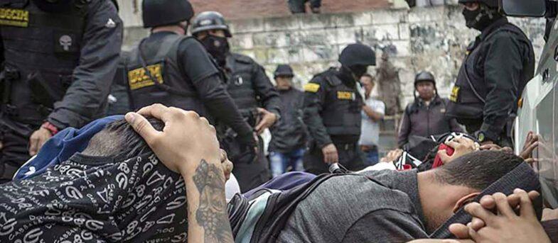 Así torturan a los presos políticos en Venezuela: Molly de la Sotta denuncia las vejaciones que ha sufrido su hermano