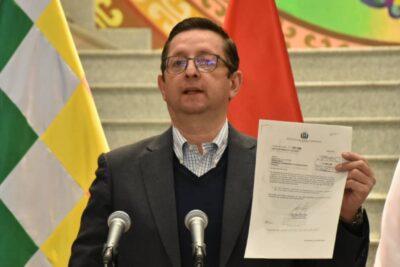 Bolivia: renuncian tres ministros por diferencias con la presidenta Jeanine Áñez