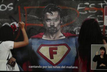 """""""Falta de respeto"""": Molestia de hermano de Felipe Camiroaga por su aparición en franja del Apruebo"""