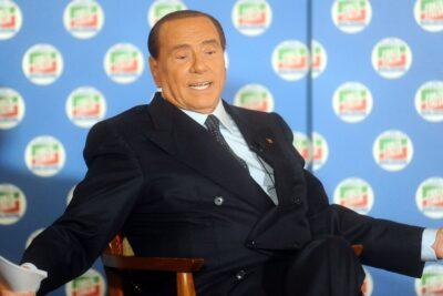 """Berlusconi sale del hospital tras contagio con COVID-19: """"Ha sido la prueba más peligrosa de mi vida"""""""