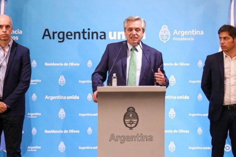 A Argentina le pasa la cuenta el triunfalismo de Alberto Fernández: supera a Chile en casos totales y fallecidos confirmados