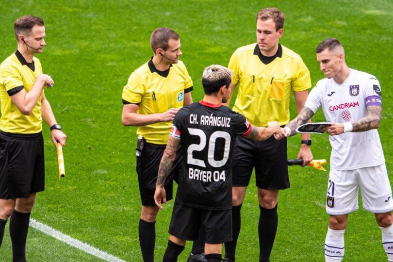 Charles Aránguiz se convierte en el nuevo capitán del Bayer Leverkusen