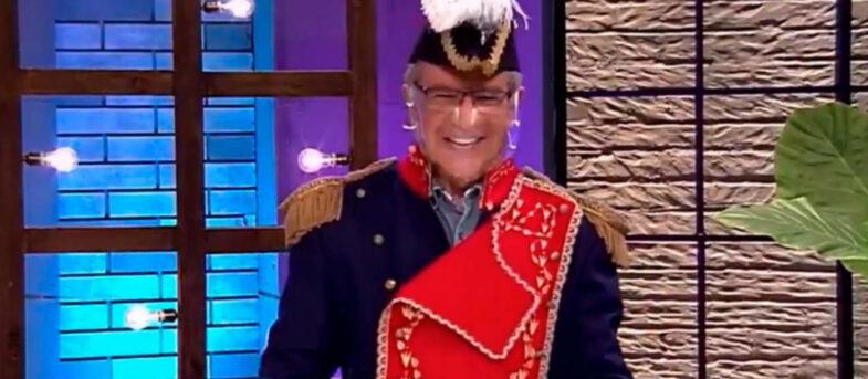 Joaquín Lavín respondió crítica de Rodolfo Carter por disfrazarse de O'Higgins en el Bienvenidos