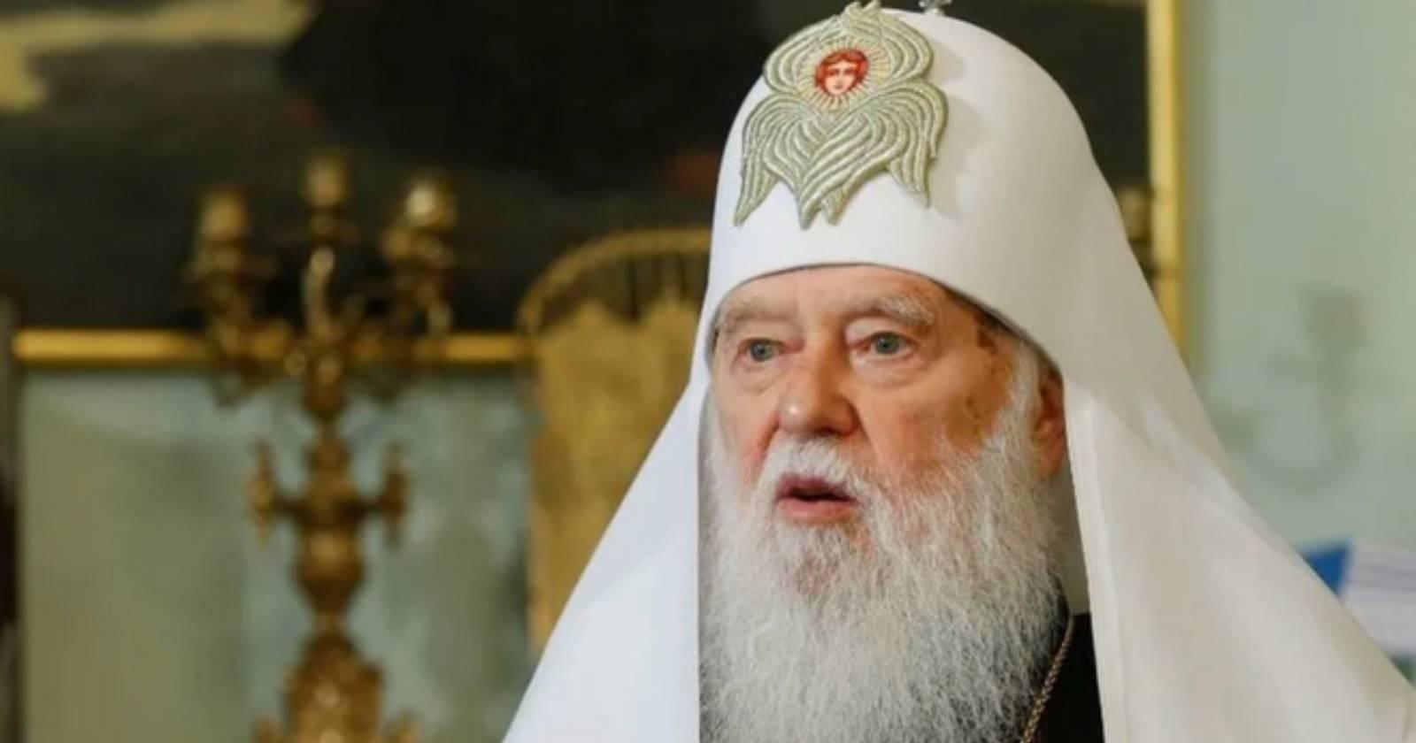 Líder de iglesia ortodoxa que culpó a homosexuales por la pandemia da positivo por COVID-19